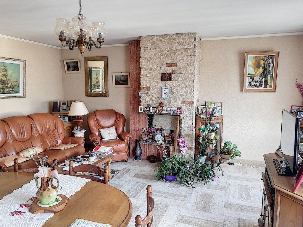 Appartement à vendre 4 90m2 à Vendôme vignette-7