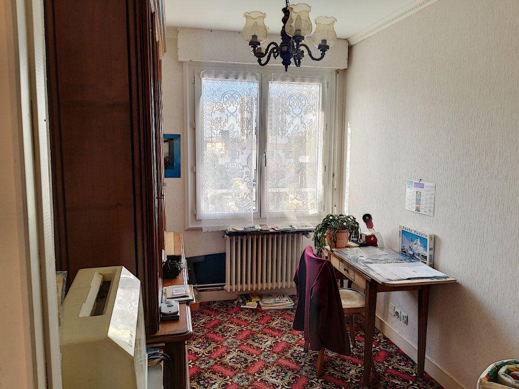 Appartement à vendre 4 90m2 à Vendôme vignette-8