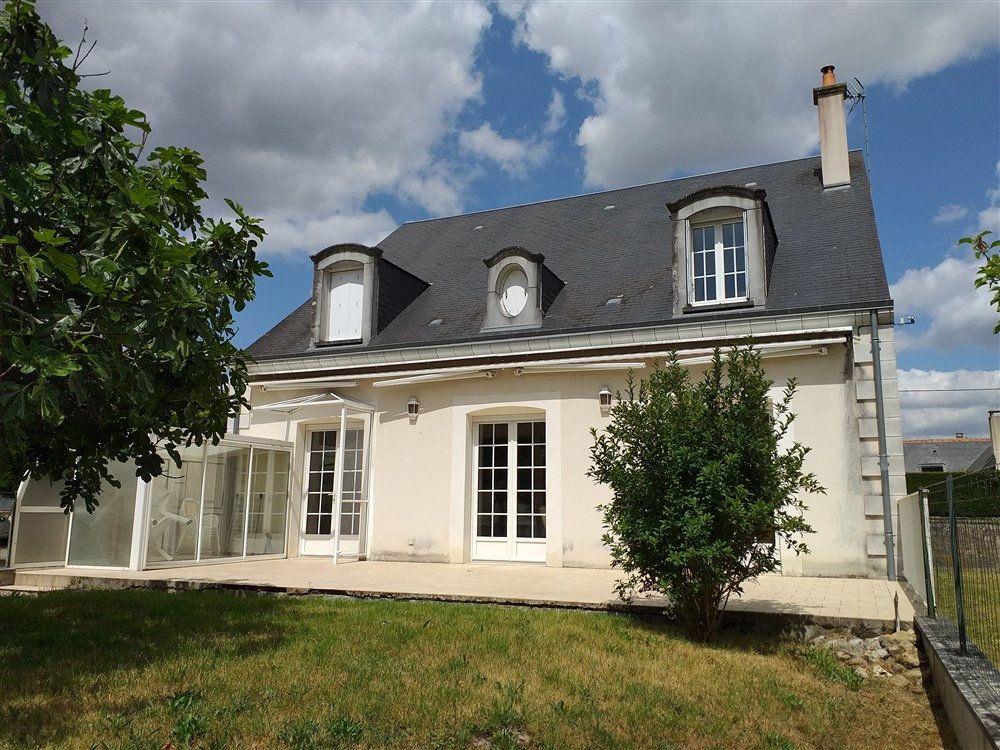 Maison à vendre 7 188m2 à Montoire-sur-le-Loir vignette-1