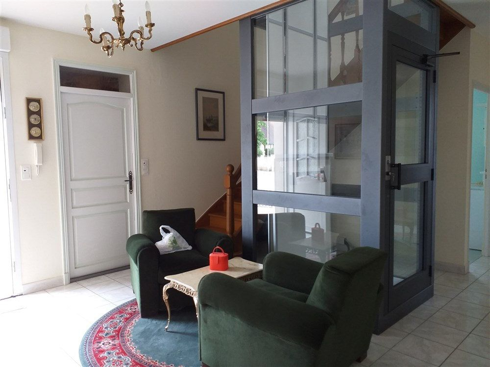 Maison à vendre 7 188m2 à Montoire-sur-le-Loir vignette-2