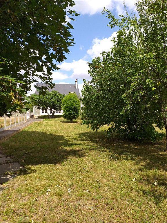 Maison à vendre 7 188m2 à Montoire-sur-le-Loir vignette-7