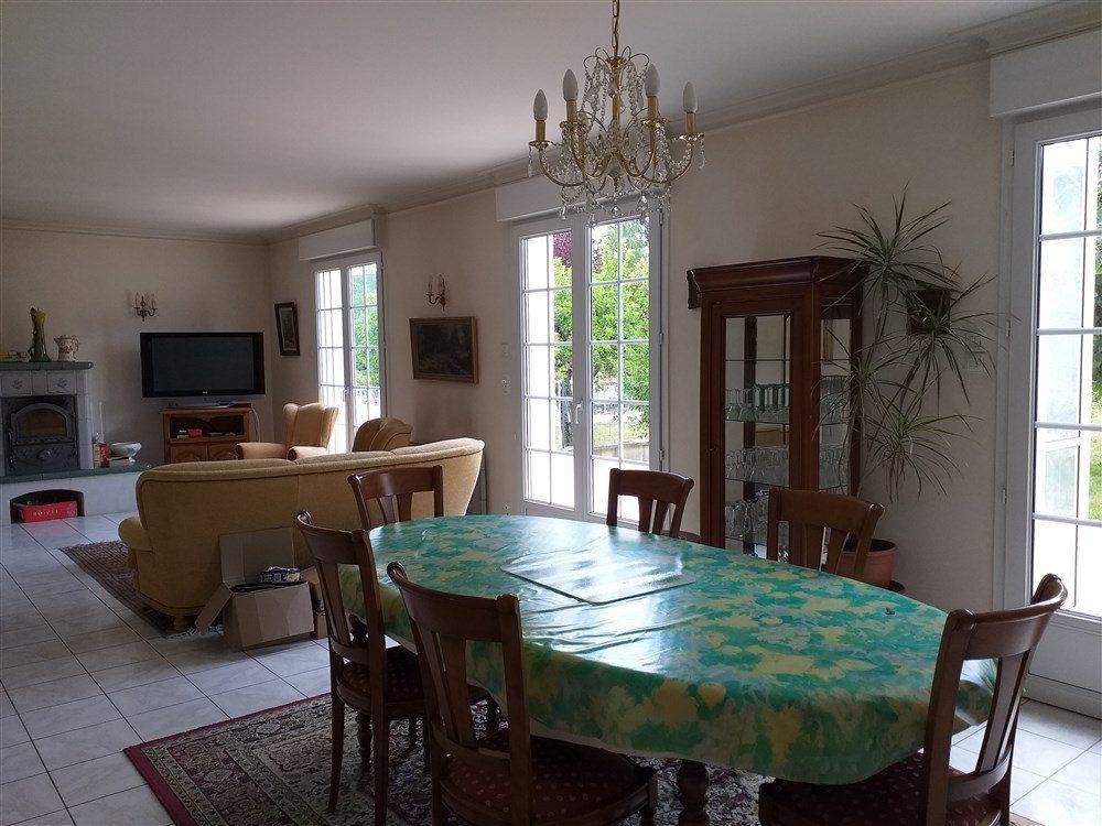 Maison à vendre 7 188m2 à Montoire-sur-le-Loir vignette-10