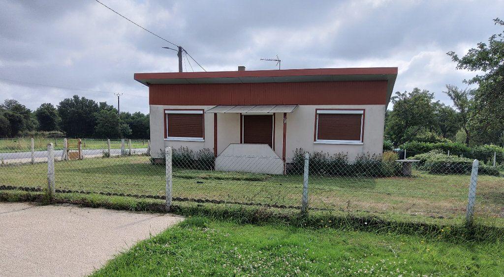 Maison à vendre 3 65m2 à Saint-Hilaire-la-Gravelle vignette-1