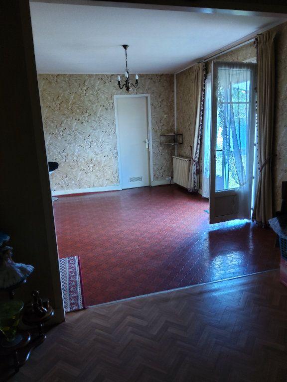 Maison à vendre 3 65m2 à Saint-Hilaire-la-Gravelle vignette-8