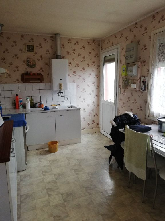 Maison à vendre 3 65m2 à Saint-Hilaire-la-Gravelle vignette-9