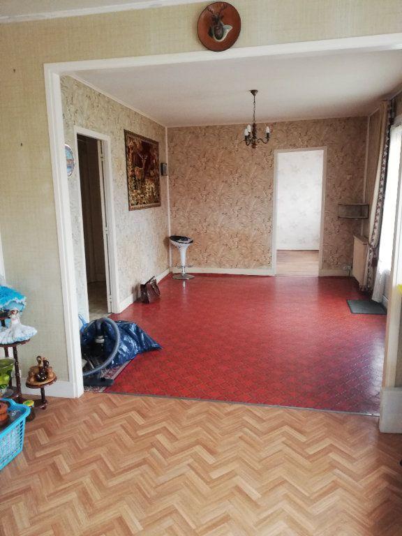 Maison à vendre 3 65m2 à Saint-Hilaire-la-Gravelle vignette-11