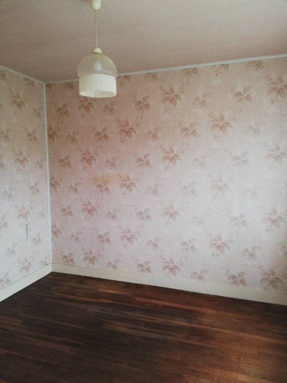 Maison à vendre 3 65m2 à Saint-Hilaire-la-Gravelle vignette-12