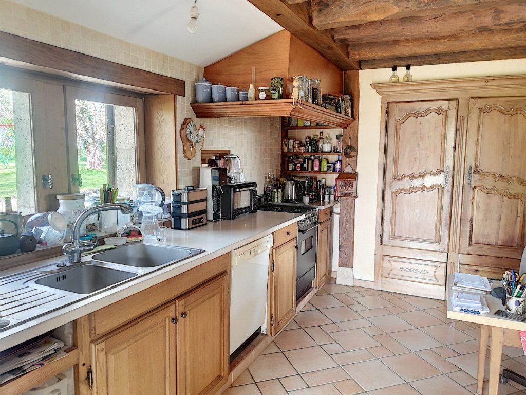 Maison à vendre 9 215m2 à Prunay-Cassereau vignette-5
