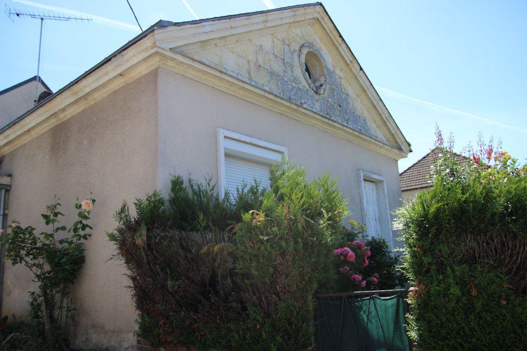Maison à vendre 3 60m2 à Saint-Calais vignette-1