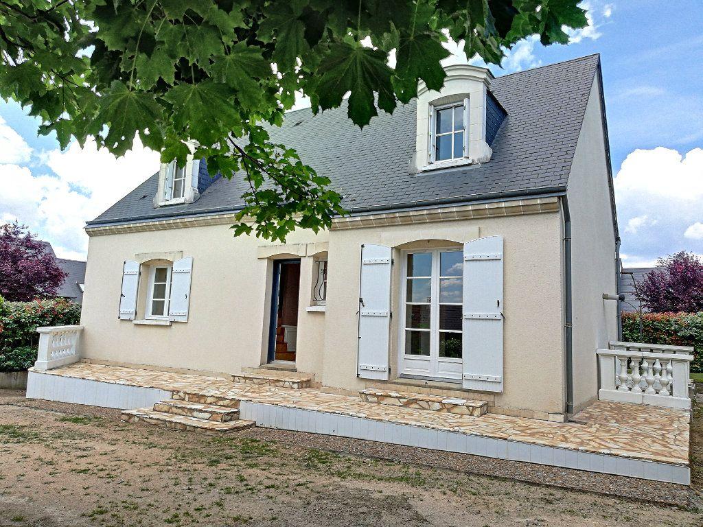 Maison à vendre 5 145m2 à Vendôme vignette-1