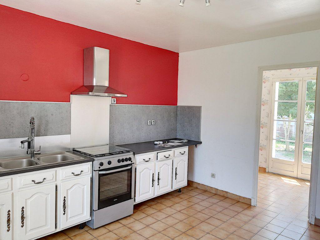 Maison à vendre 5 145m2 à Vendôme vignette-2