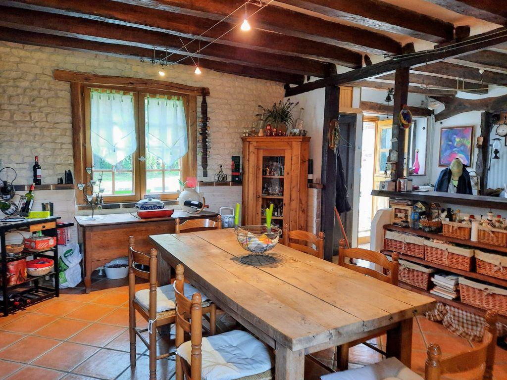 Maison à vendre 8 210m2 à Prunay-Cassereau vignette-4