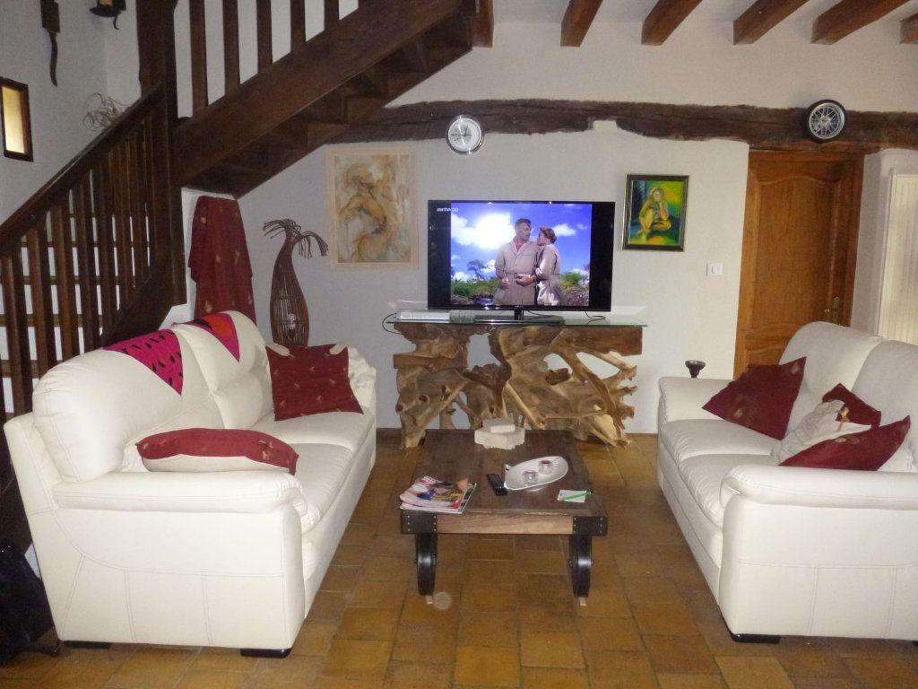 Maison à vendre 8 210m2 à Prunay-Cassereau vignette-5
