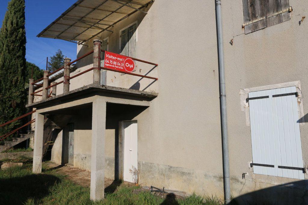 Maison à vendre 8 140m2 à Vallon-Pont-d'Arc vignette-1