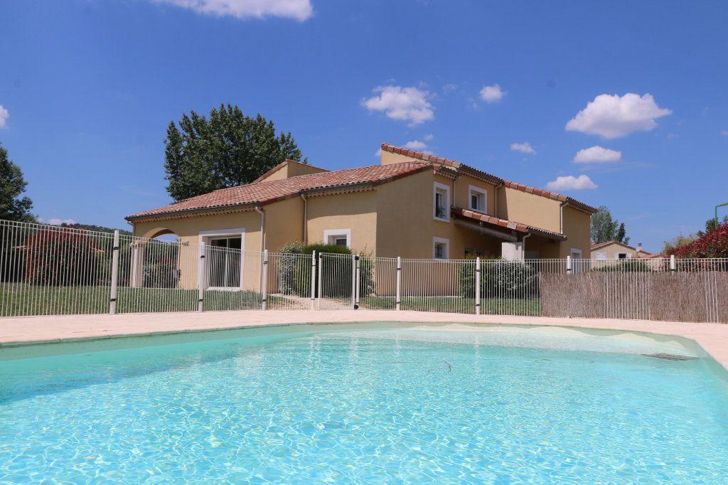 Maison à vendre 10 252m2 à Vallon-Pont-d'Arc vignette-1