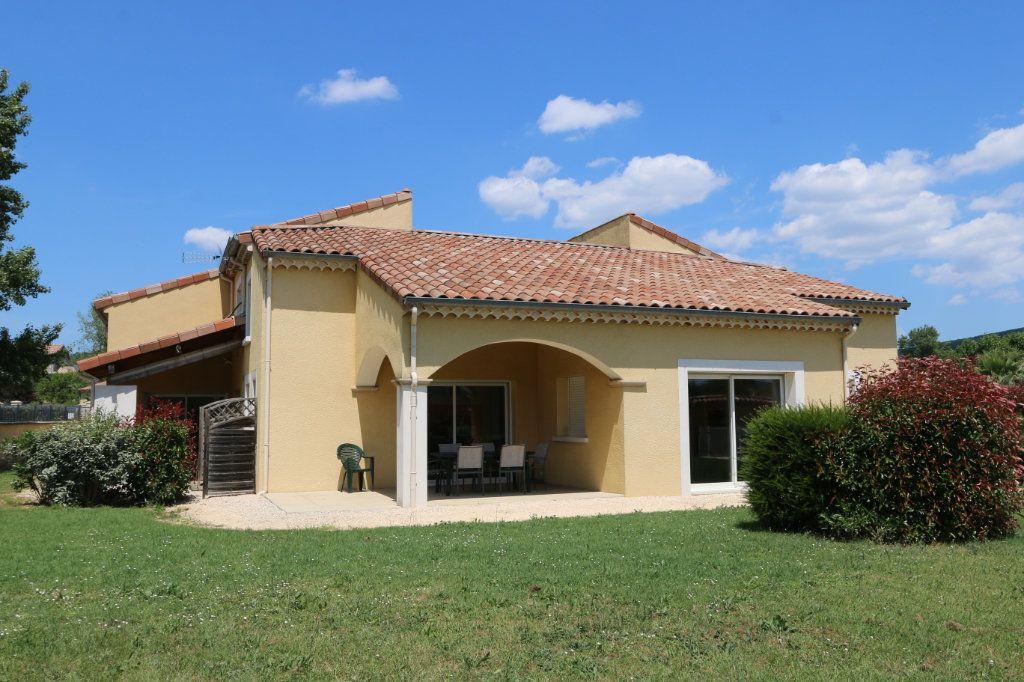 Maison à vendre 10 252m2 à Vallon-Pont-d'Arc vignette-4