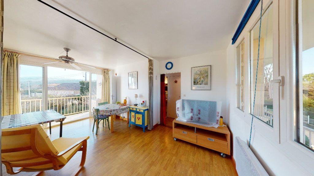 Appartement à vendre 1 30m2 à Vallon-Pont-d'Arc vignette-3