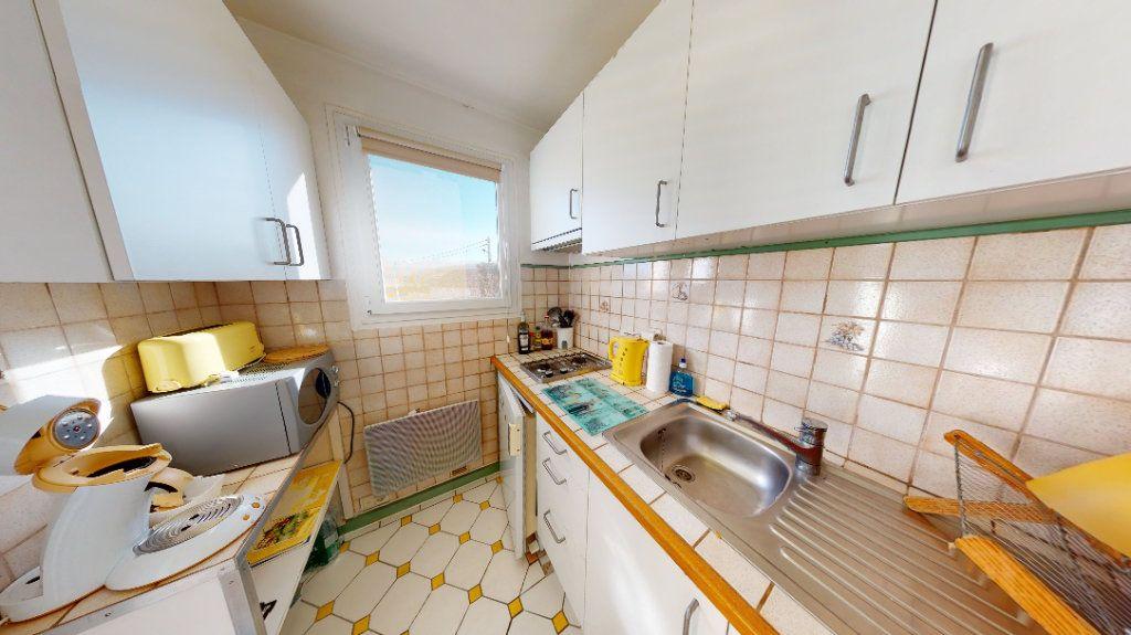 Appartement à vendre 1 30m2 à Vallon-Pont-d'Arc vignette-5
