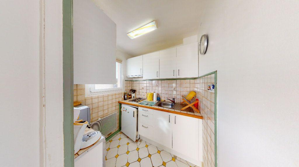 Appartement à vendre 1 30m2 à Vallon-Pont-d'Arc vignette-6