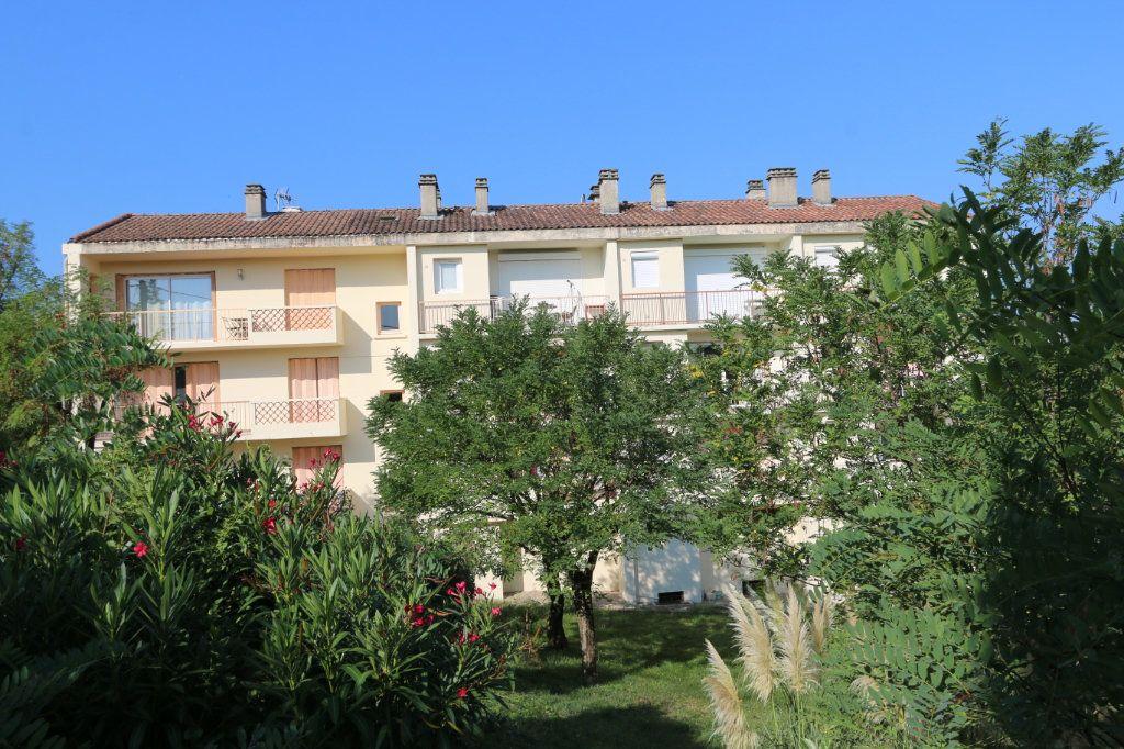 Appartement à vendre 1 30m2 à Vallon-Pont-d'Arc vignette-8