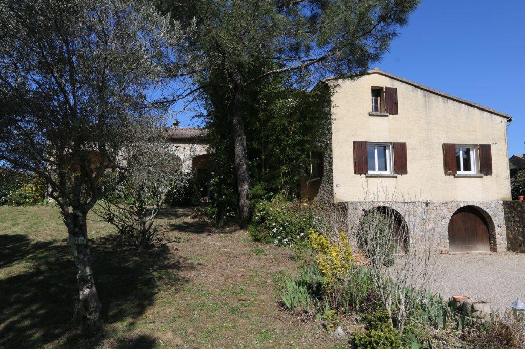 Maison à vendre 10 260m2 à Vallon-Pont-d'Arc vignette-1