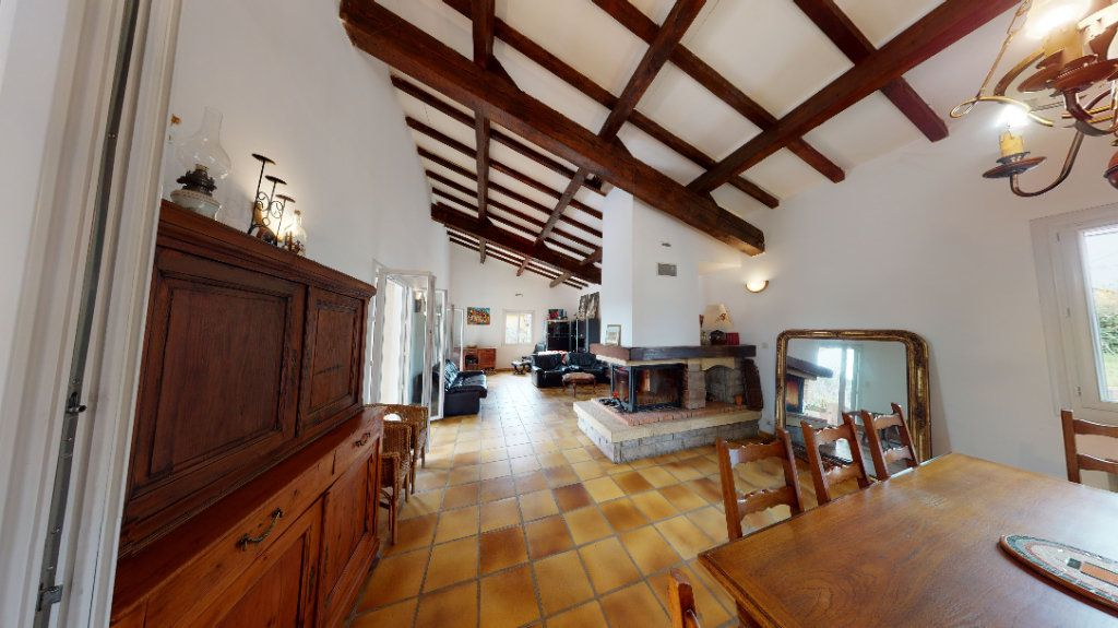 Maison à vendre 10 260m2 à Vallon-Pont-d'Arc vignette-2