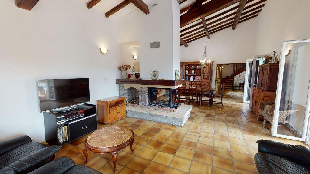 Maison à vendre 10 260m2 à Vallon-Pont-d'Arc vignette-3