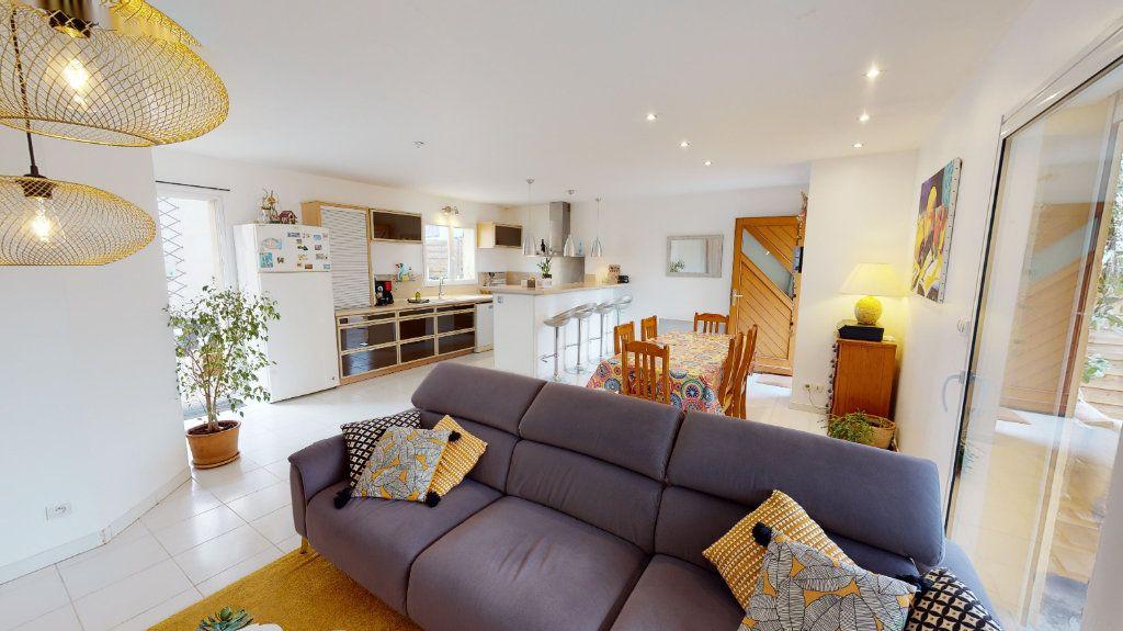 Maison à vendre 10 260m2 à Vallon-Pont-d'Arc vignette-13