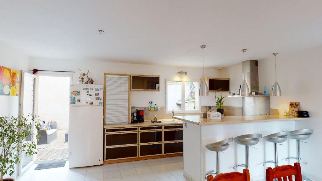 Maison à vendre 10 260m2 à Vallon-Pont-d'Arc vignette-15