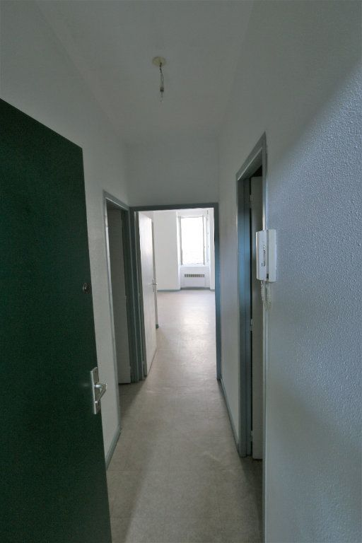 Appartement à louer 3 69m2 à Vallon-Pont-d'Arc vignette-7