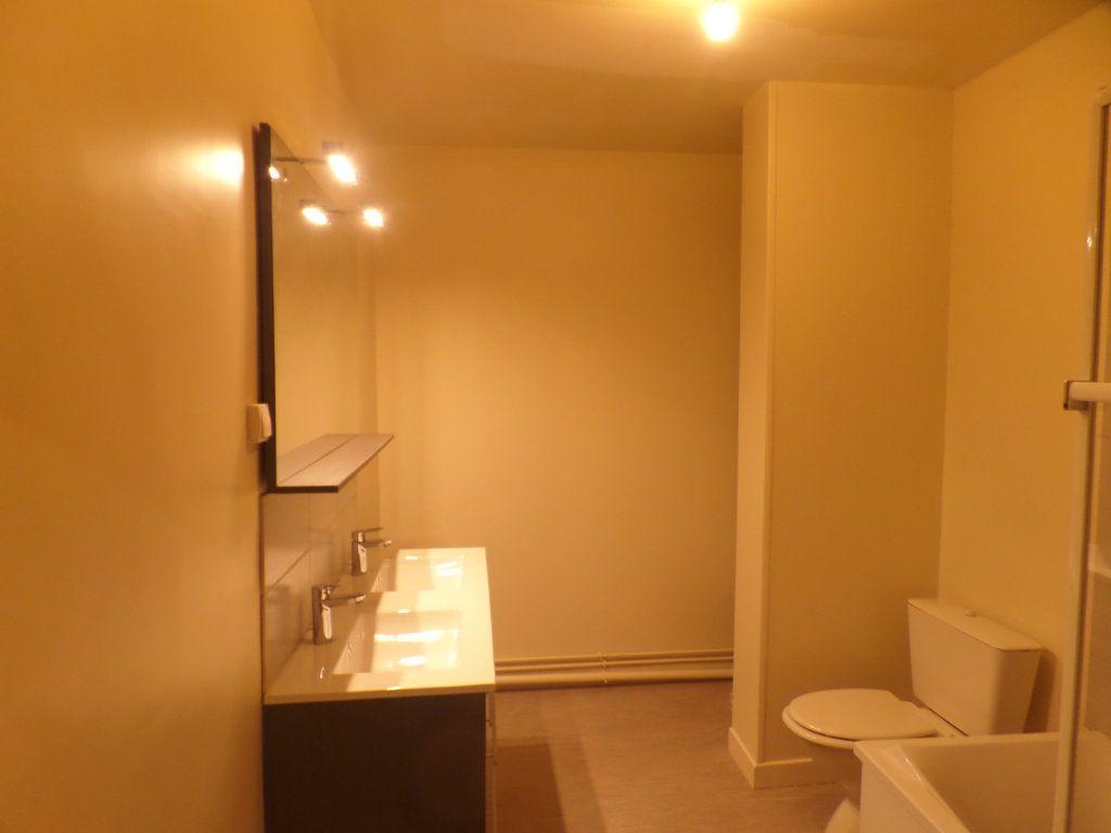 Appartement à louer 3 83m2 à Saint-Léger-du-Bourg-Denis vignette-7