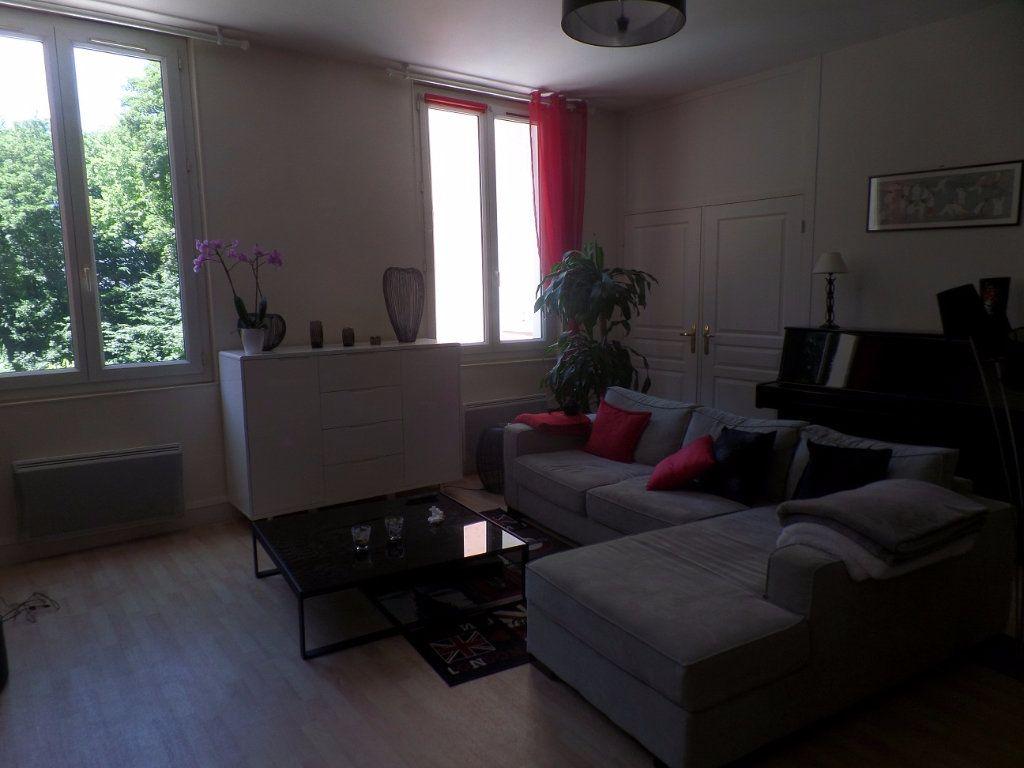 Appartement à louer 3 83m2 à Saint-Léger-du-Bourg-Denis vignette-9