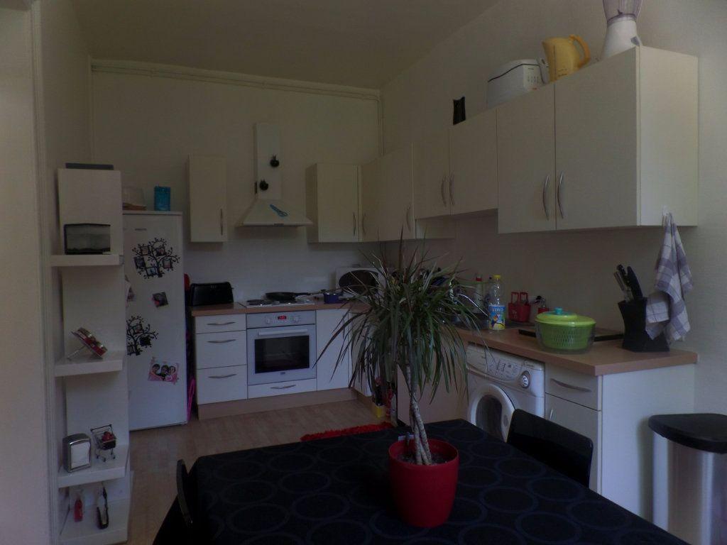 Appartement à louer 3 83m2 à Saint-Léger-du-Bourg-Denis vignette-10