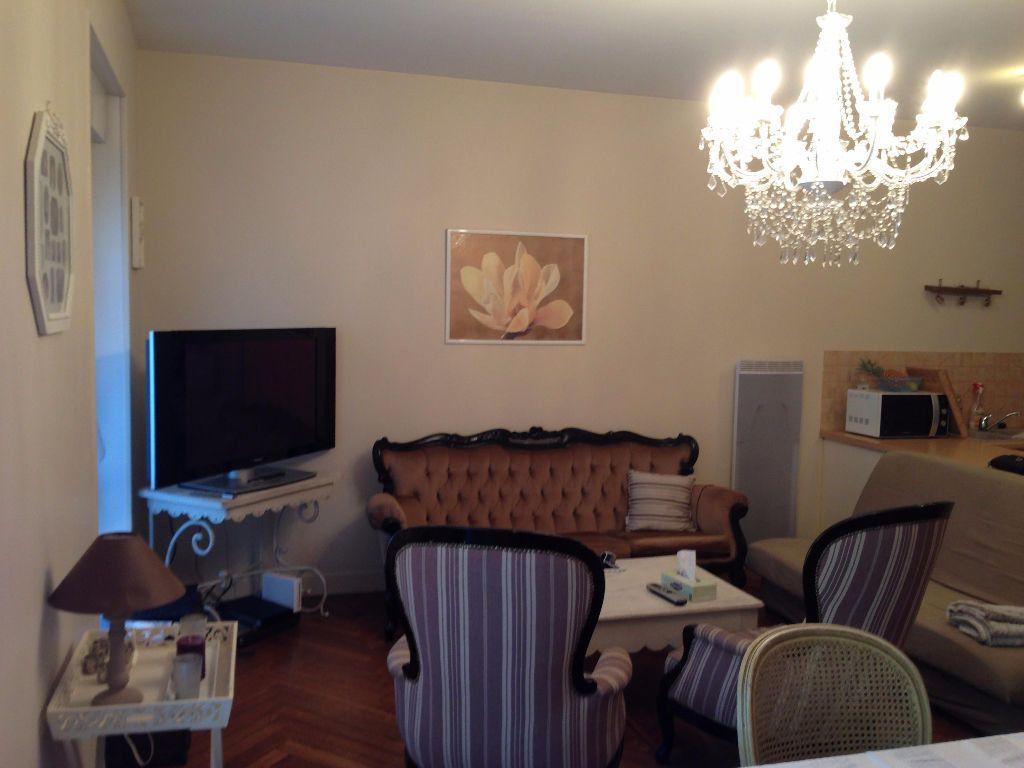 Appartement à louer 3 87m2 à Saint-Léger-du-Bourg-Denis vignette-4