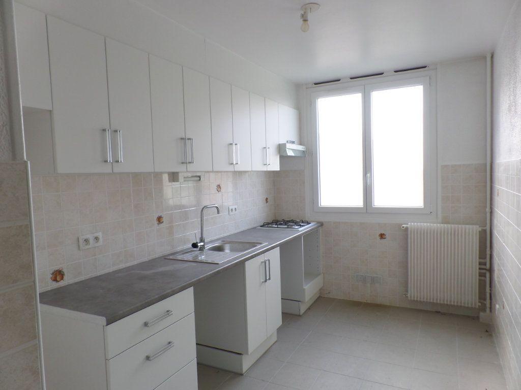 Appartement à vendre 4 79.79m2 à Rouen vignette-3