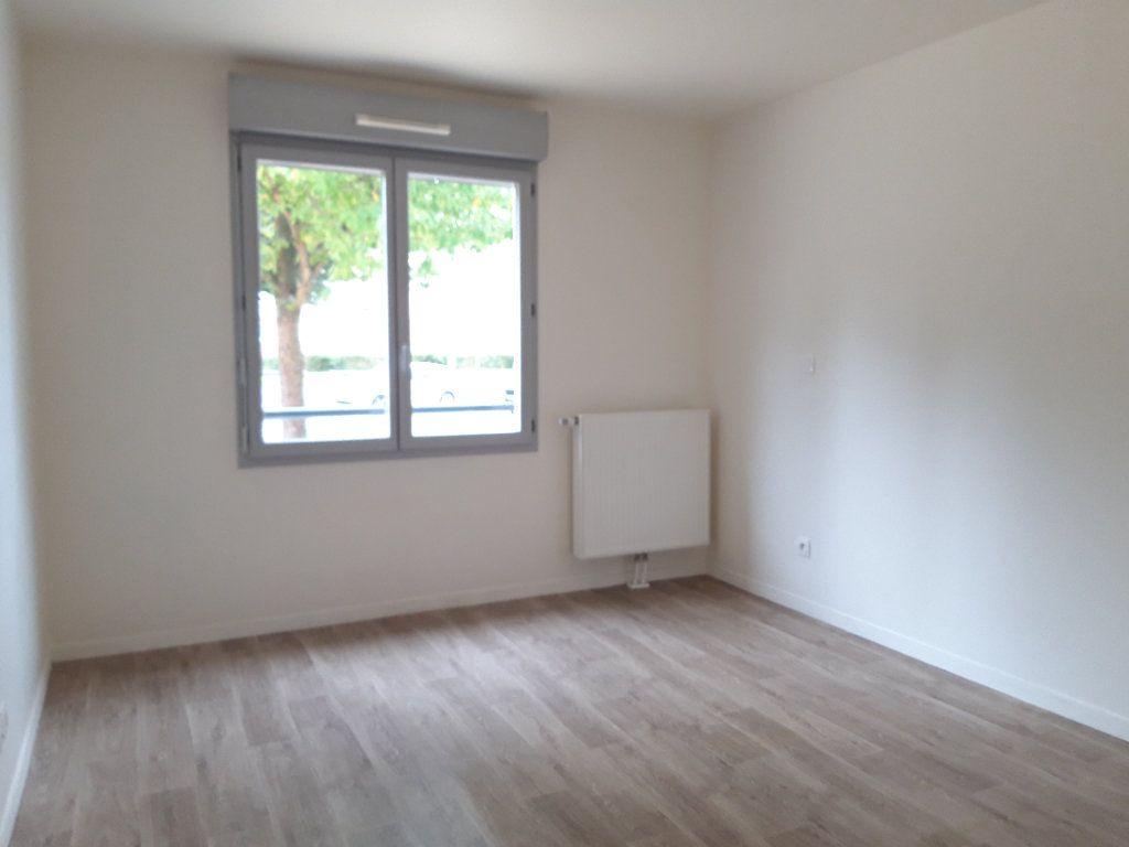 Appartement à louer 3 67.5m2 à Rouen vignette-2