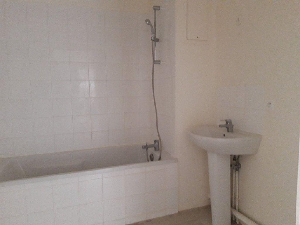 Appartement à louer 3 67.5m2 à Rouen vignette-4