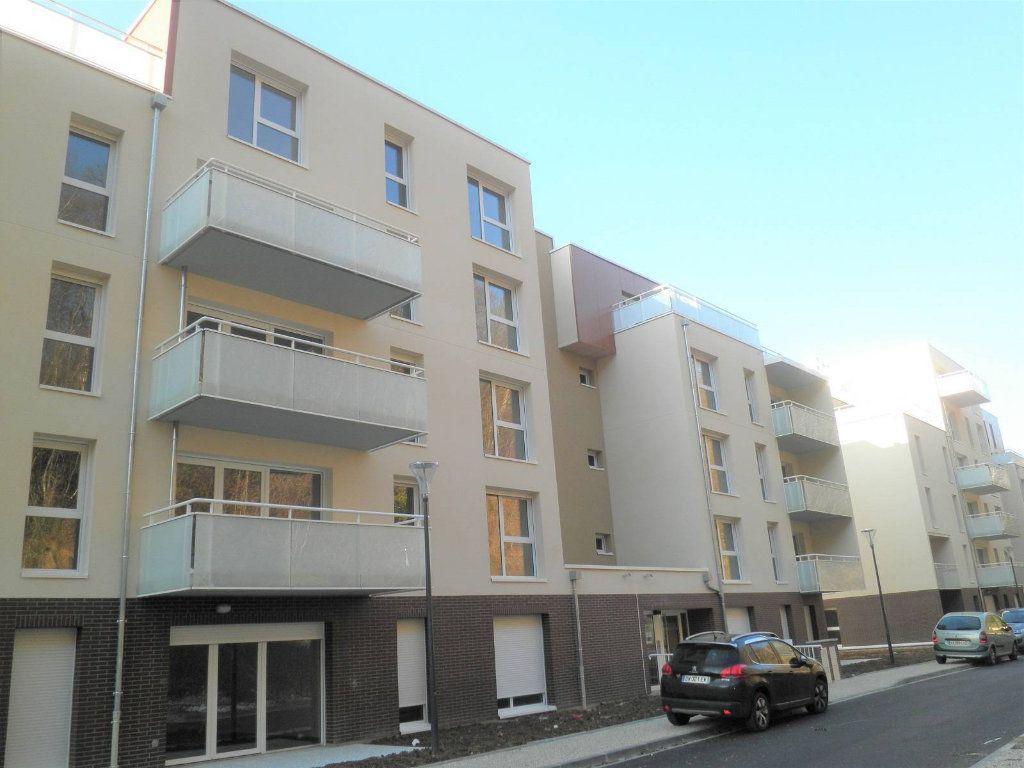 Appartement à louer 2 42.2m2 à Déville-lès-Rouen vignette-1