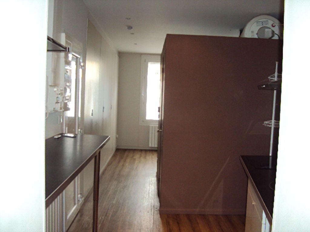 Appartement à louer 2 38m2 à Sotteville-lès-Rouen vignette-5