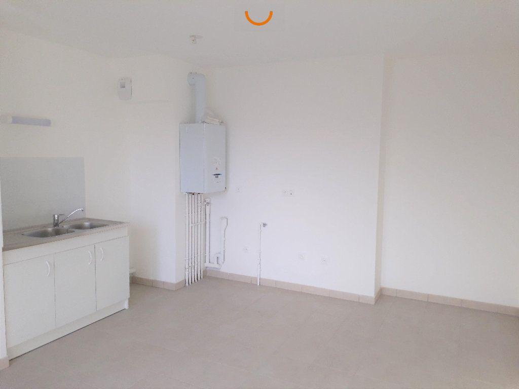 Appartement à louer 2 43.16m2 à Le Petit-Quevilly vignette-3