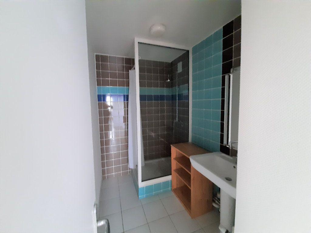 Appartement à vendre 3 68.34m2 à Rouen vignette-6