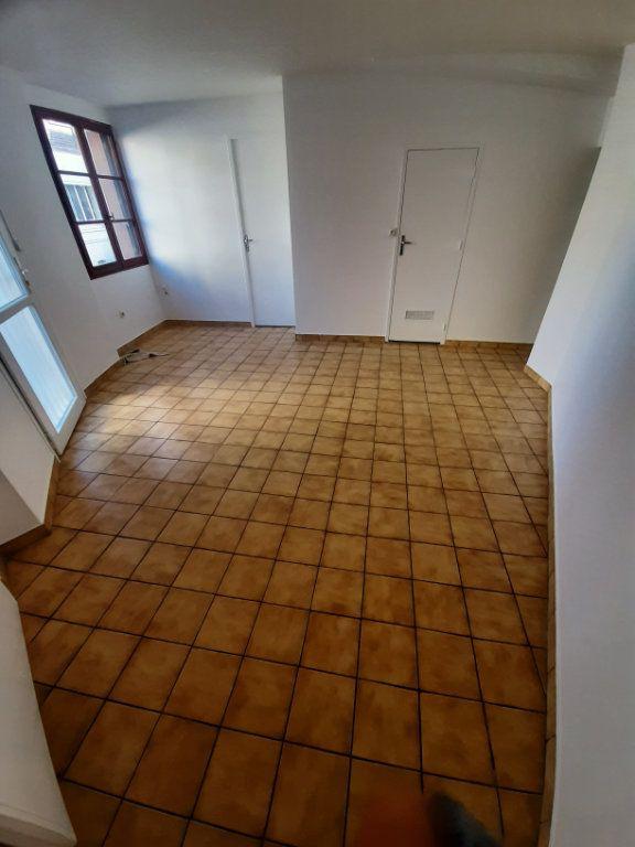 Appartement à louer 2 39m2 à Sotteville-lès-Rouen vignette-1