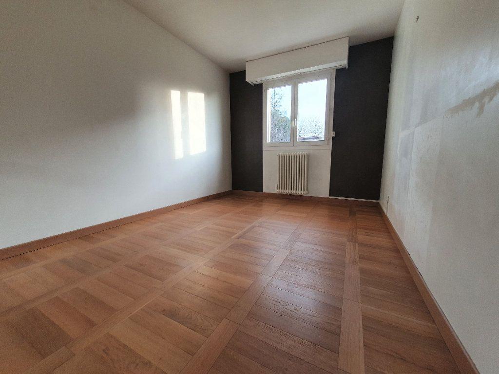 Appartement à vendre 4 83m2 à Bois-Guillaume vignette-5