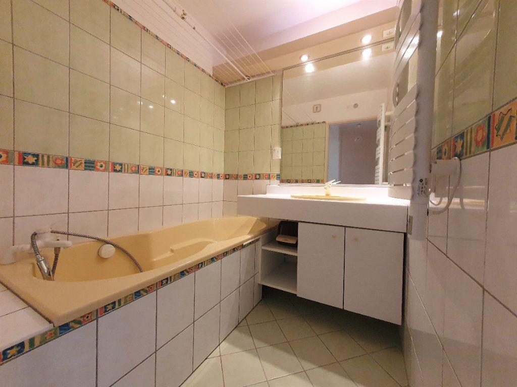 Appartement à vendre 4 83m2 à Bois-Guillaume vignette-6