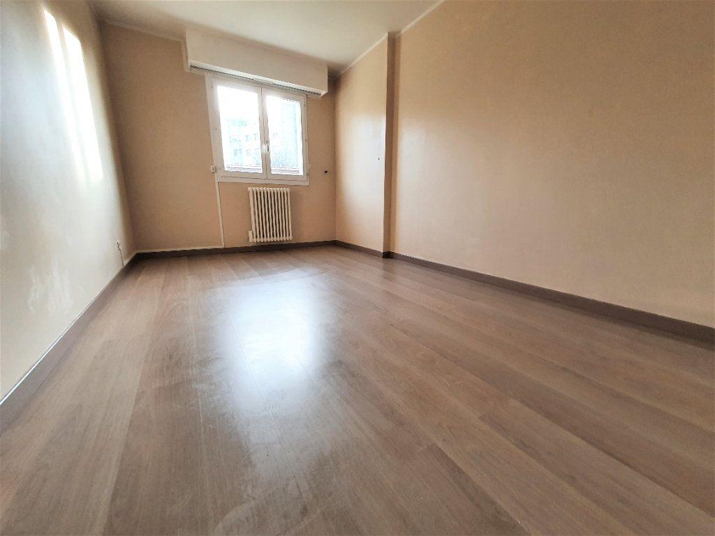 Appartement à vendre 4 83m2 à Bois-Guillaume vignette-8