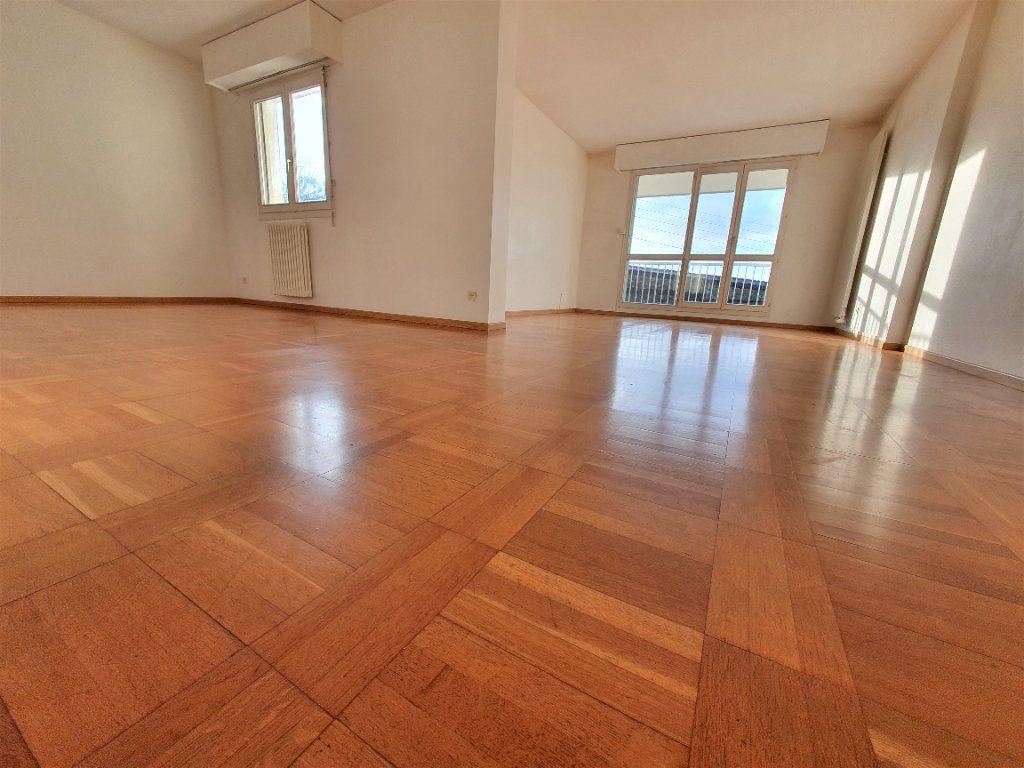 Appartement à vendre 4 83m2 à Bois-Guillaume vignette-9