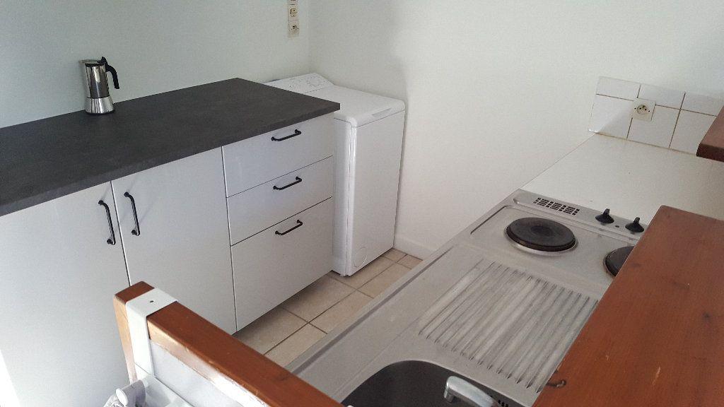 Appartement à louer 2 41m2 à Elbeuf vignette-2