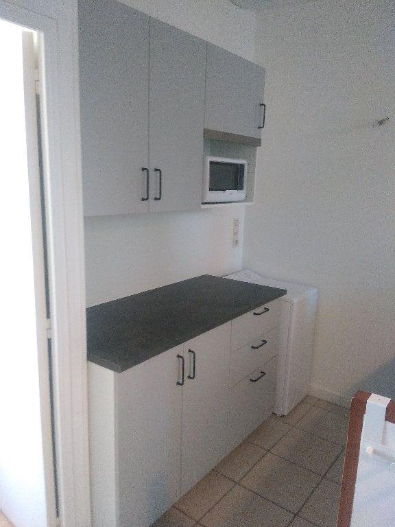 Appartement à louer 2 41m2 à Elbeuf vignette-3
