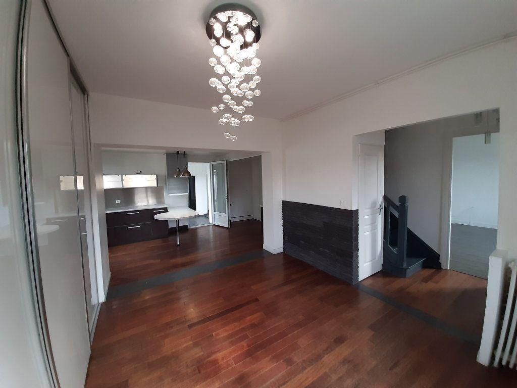 Maison à vendre 8 196m2 à Le Mesnil-Esnard vignette-2