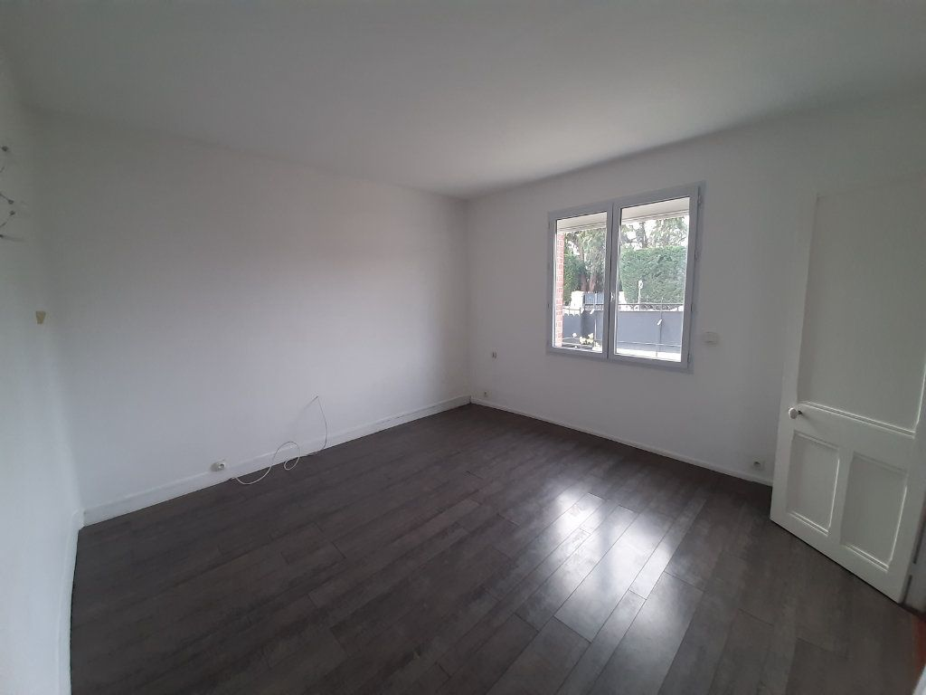 Maison à vendre 8 196m2 à Le Mesnil-Esnard vignette-5